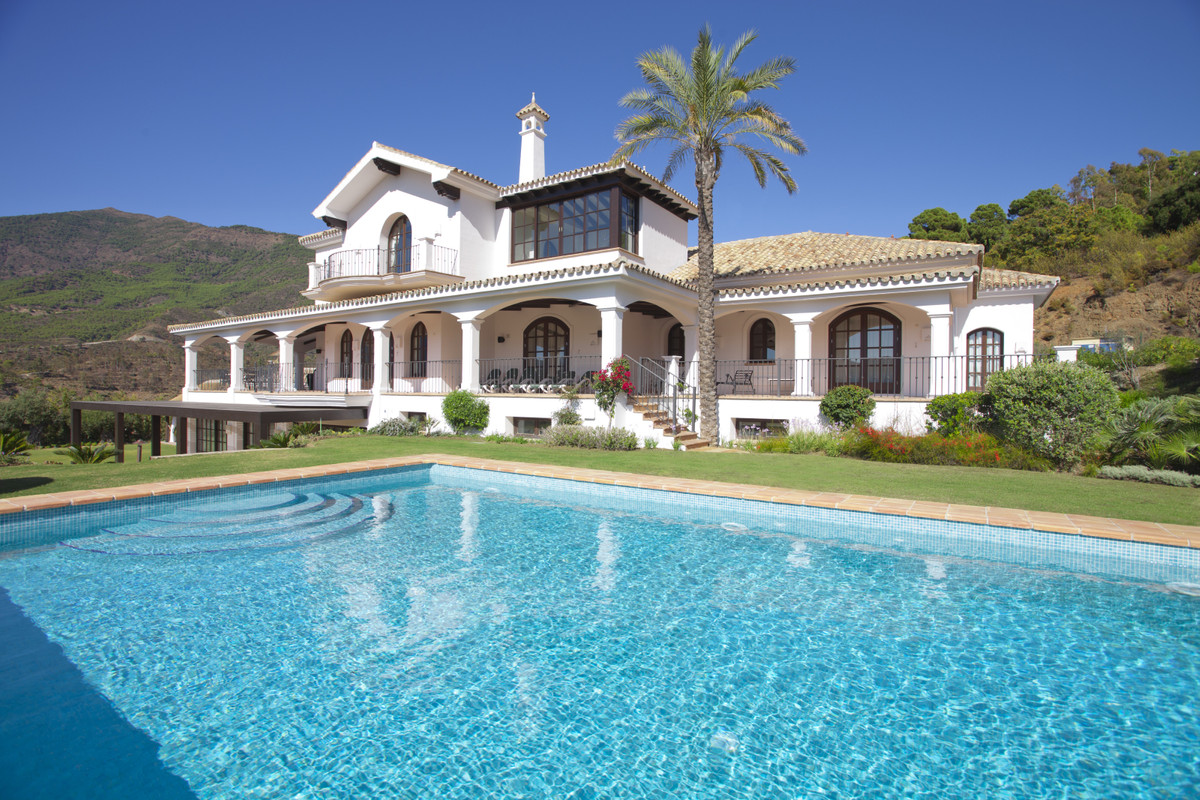 5 bedroom property in La Zagaleta