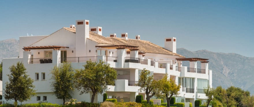 Views of the sea and mountains - 2 bed apartment