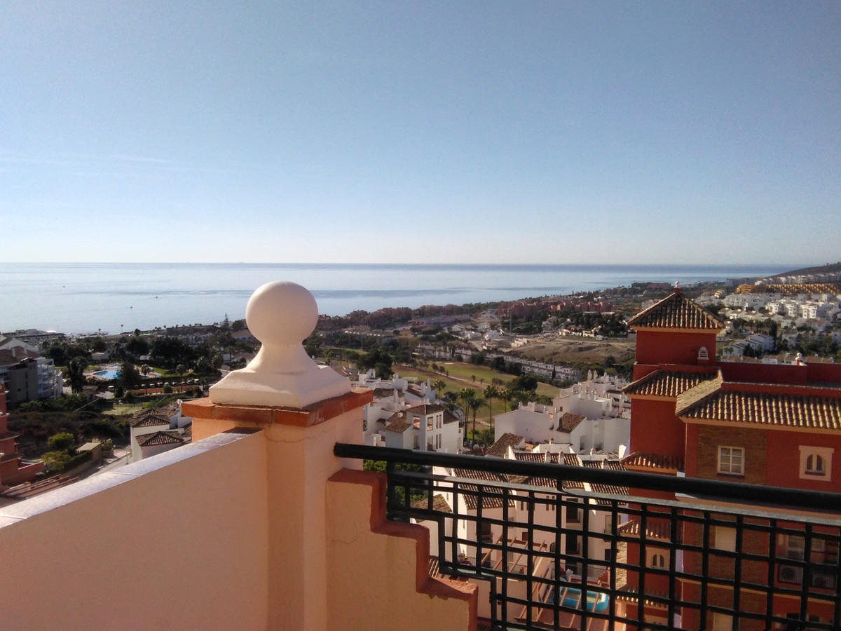 GREAT LOCATION - SUN, SEA AND A BUSTLING MARINA.  Spectacular south facing 3 bedroom penthouse with , Spain