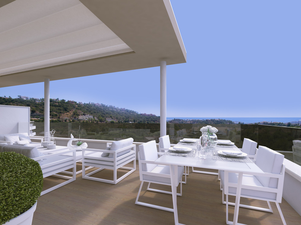 Penthouse on the hills of Benahavis overlooking golf courses