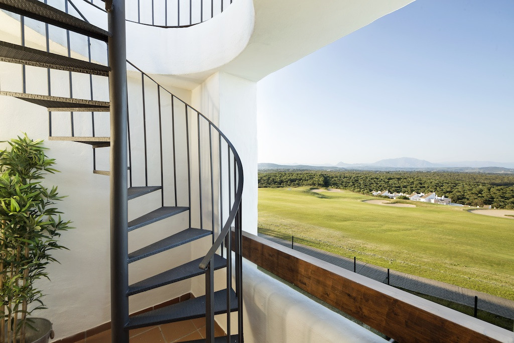 Brand new 2 bedroom apartment next to golf courses