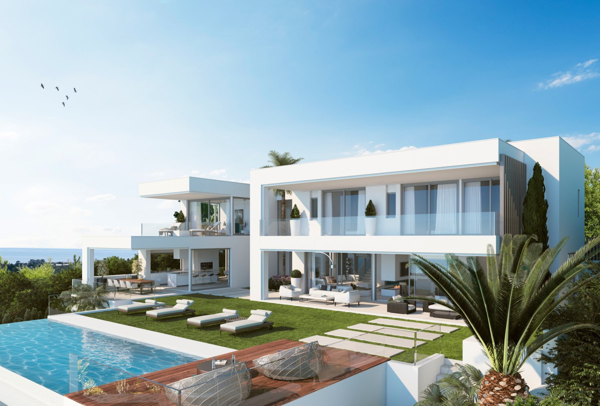 Magnificent frontline golf villa with private garden