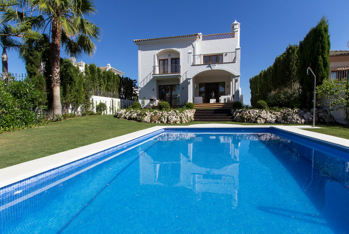 STUNNING AND PANORAMIC VIEWS FROM FRONTLINE GOLF VILLA.