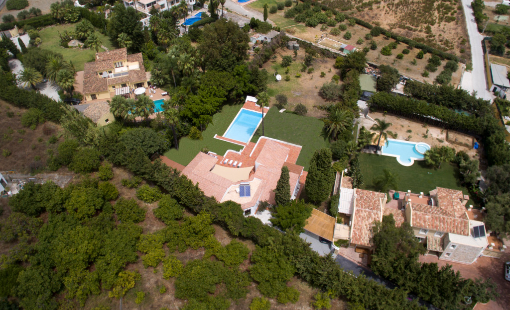 Private villa minutes from the beach