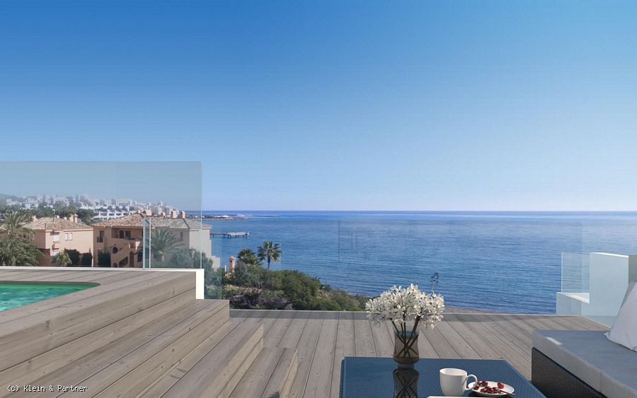 5 bed townhouse on the beachfront