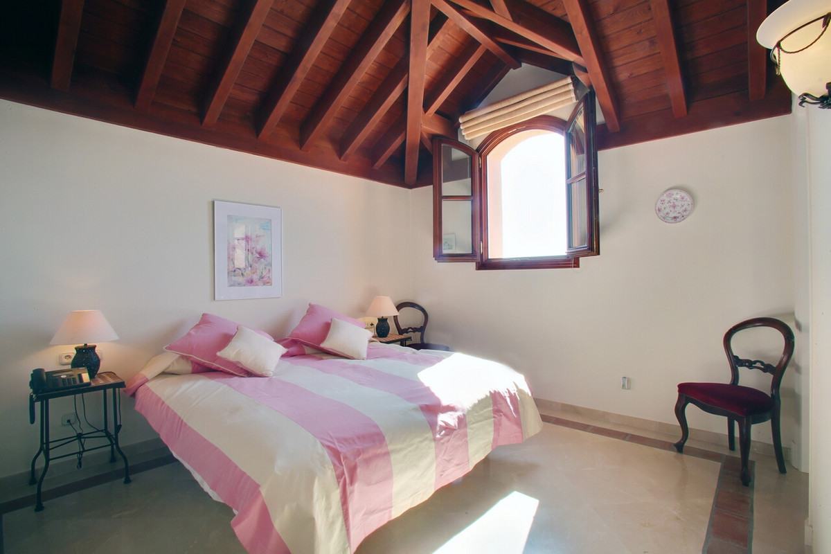 Traditional Spanish property - 4 bedrooms