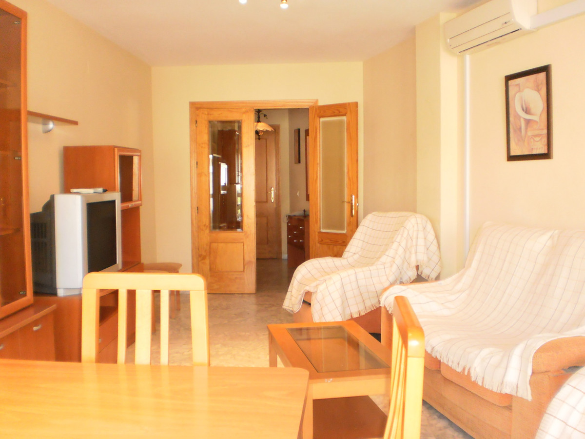 Lovely family home, 300m from the beach, in sunny Estepona