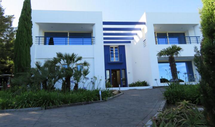 Luxurious villa overlooking Gibraltar