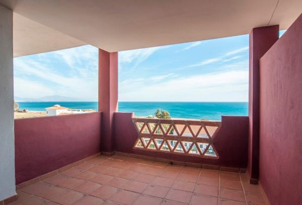 150m from the beach, light and bright apartment
