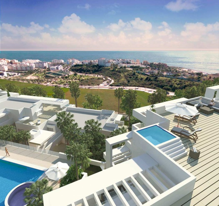 2 bed apartment combining town and beach access