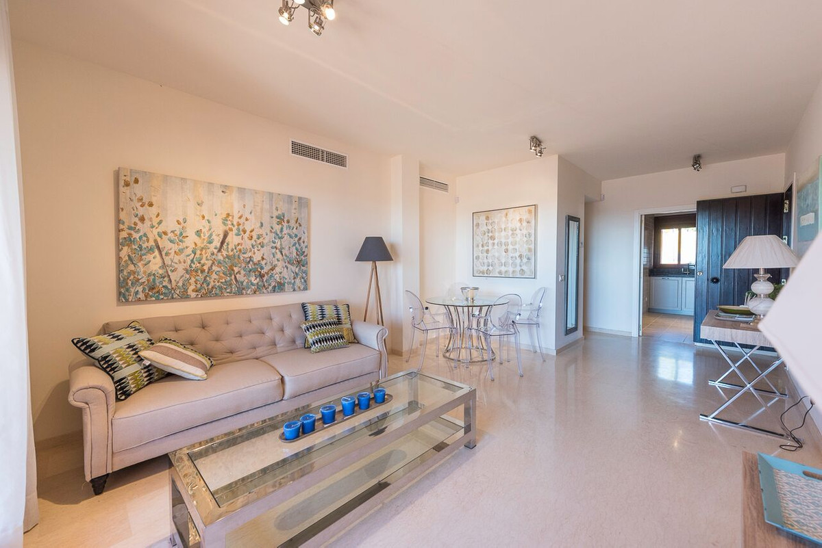 Fabulous terraces with sea views 200m from the beach