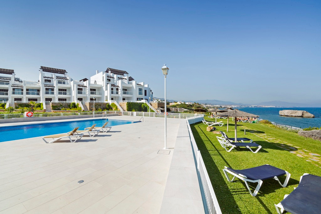 Spectacular location combining sun, sea and fantastic views