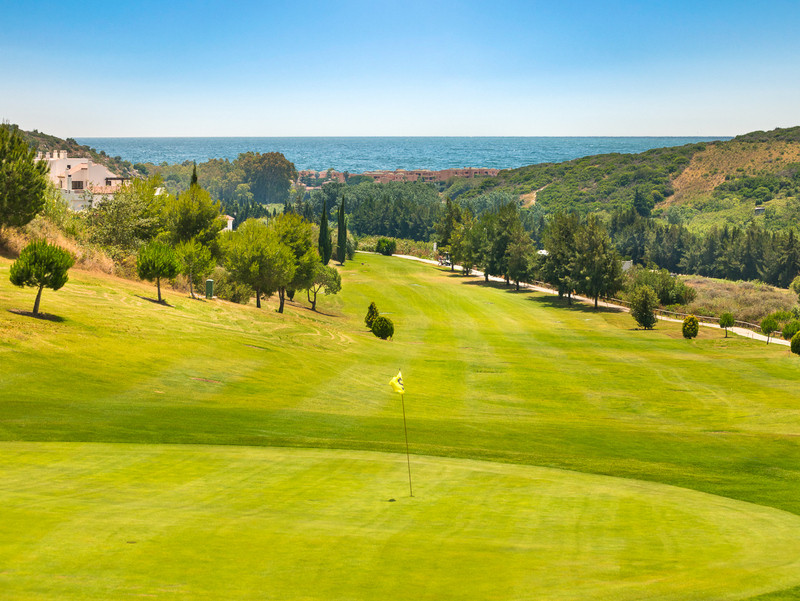 Sun, sea and golf, you got it all!