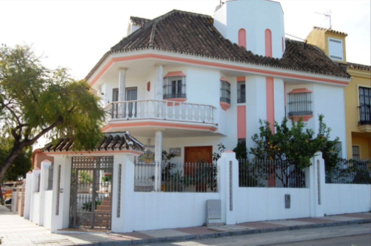 Ideal family home close to San Pedro