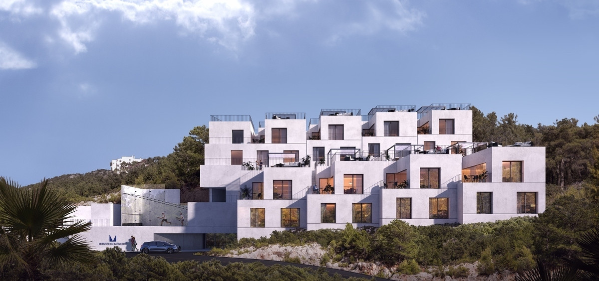 Townhouse in the Andalucian hills near the town of Benahavis