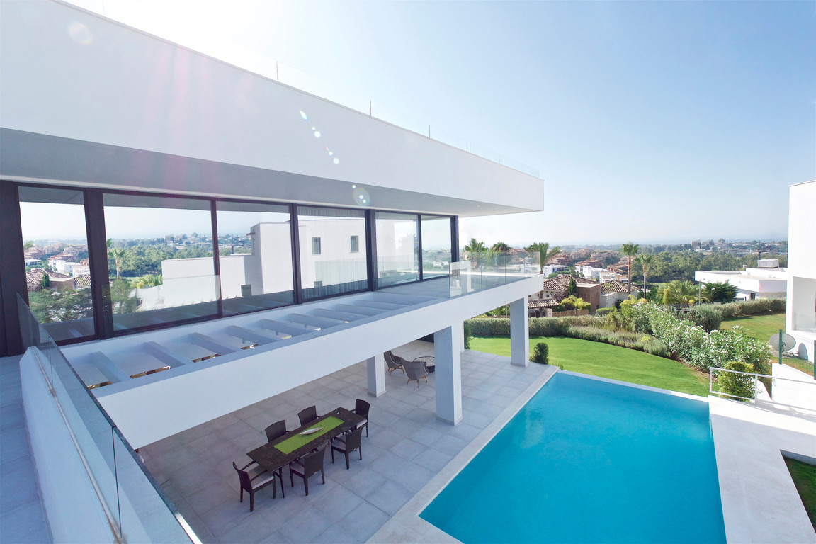 Exclusive development in the picturesque hills above Marbella and Puerto Banus