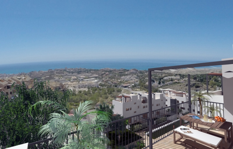 Close to Malaga and 3 golf courses!