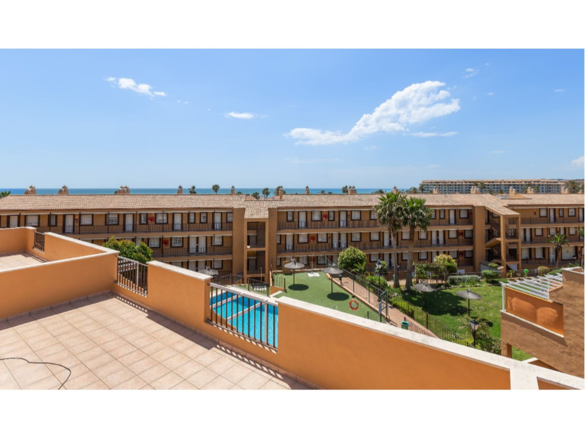 1 bed apartments in complex with pools 200m from beach