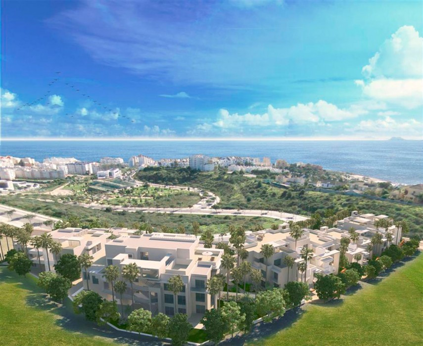 4 bed apartment with beautiful views across Estepona Bay
