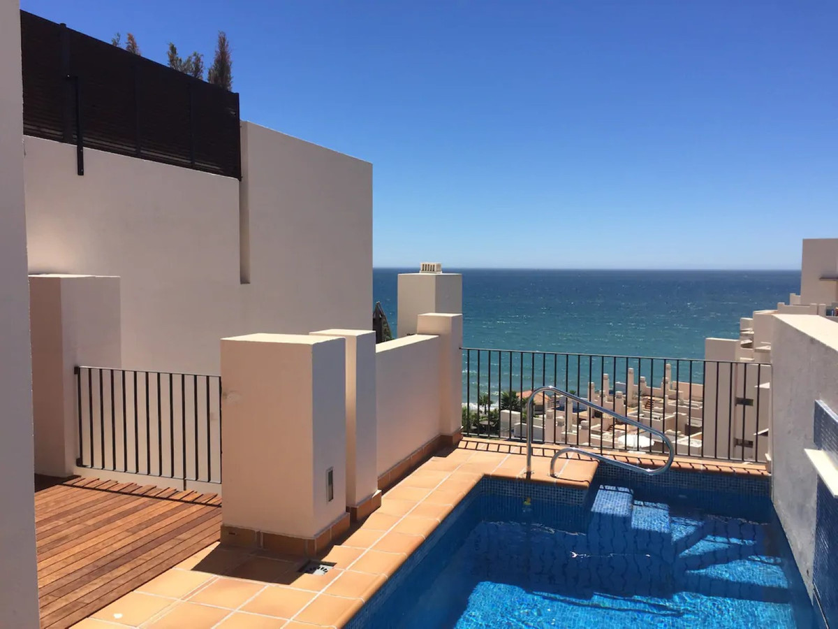 FRONT LINE BEACH COMPLEX - PENTHOUSE WITH PRIVATE POOL  Exclusive apartment built and equipped with ,Spain