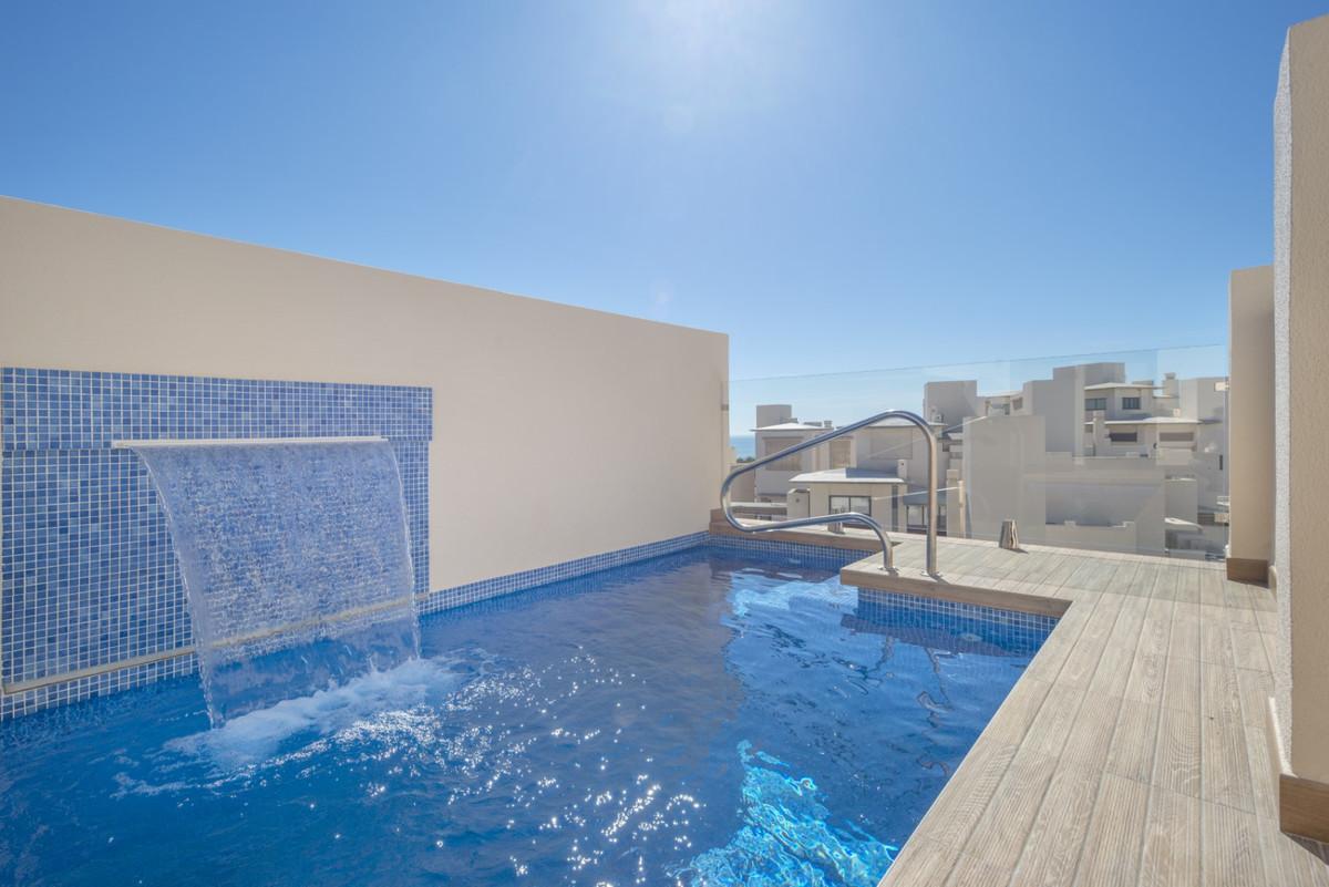 Marbella Banus Ático en Venta en New Golden Mile – R3546712