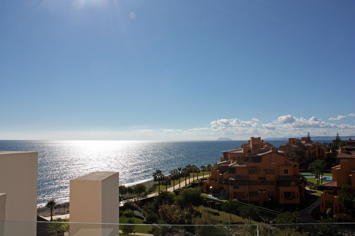 FRONT - FRONT LINE BEACH PENTHOUSE WITH PANORAMIC SEA VIEW AND PRIVATE POOL  Exclusive apartment bui,Spain
