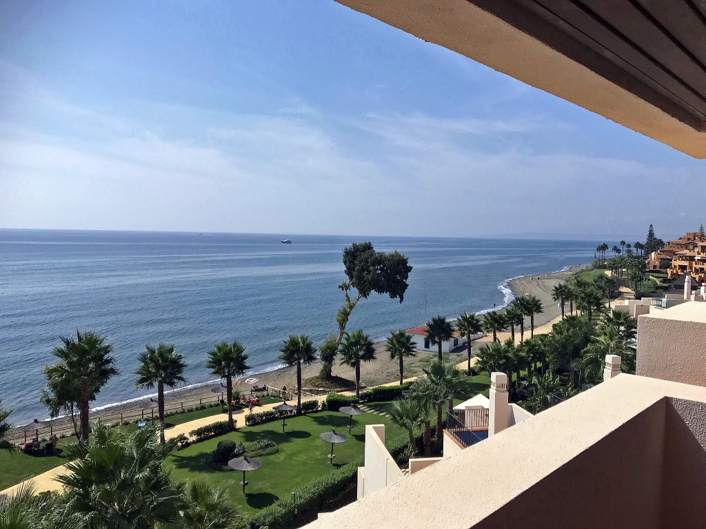 FRONT - FRONT LINE BEACH APARTMENT WITH PANORAMIC SEA VIEW  Exclusive apartment built and equipped w, Spain