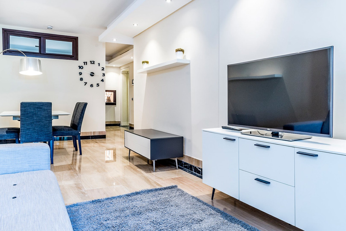 Apartment in New Golden Mile R3462919 3