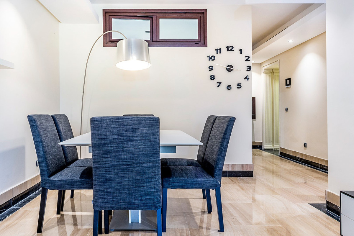 Apartment in New Golden Mile R3462919 6