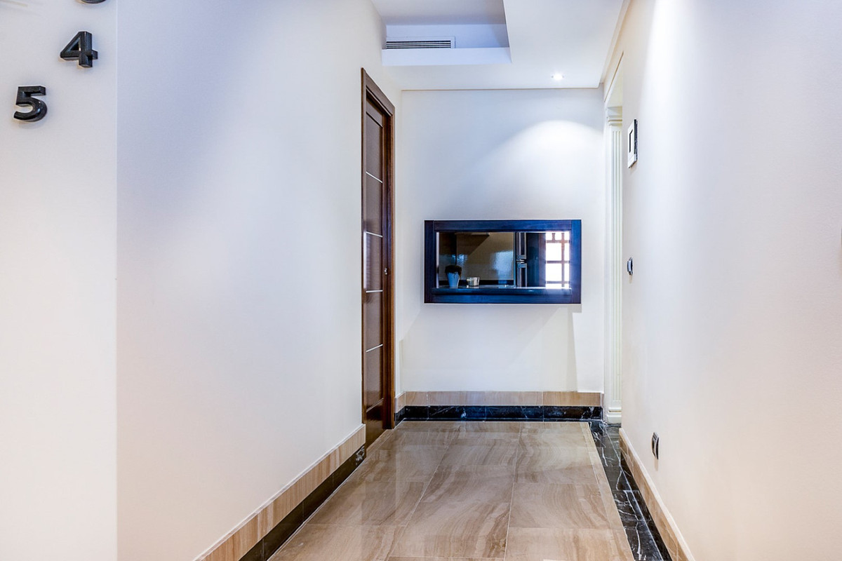 Apartment in New Golden Mile R3462919 9