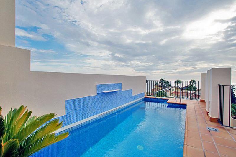 Marbella Banus Ático en venta en New Golden Mile – R3080764