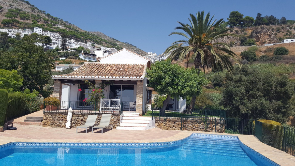 A beautiful finca set just below the historical heart of Mijas on a large plot with orchards of figs,Spain