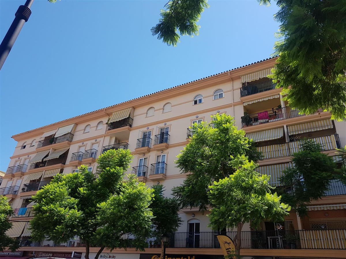 A large three bedroom first floor apartment centrally located in Fuengirola.  There is an entrance h, Spain