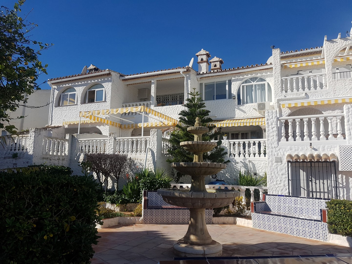 An immaculate south facing two bedroom townhouse with panoramic sea views and a private garage space,Spain