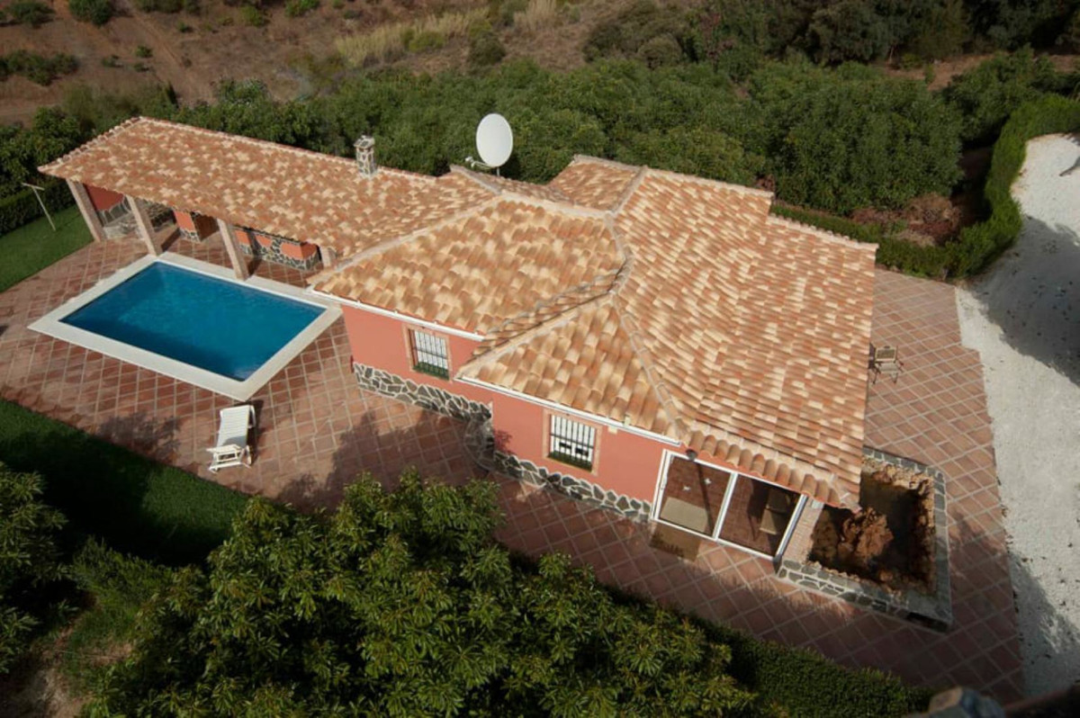 This Finca in Coin in the Guadalhorce Valley lies equidistant from Marbella, the airport, Ronda and , Spain