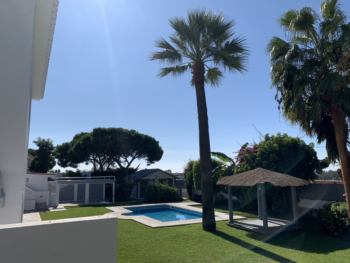 Detached Villa, Cabopino, Costa del Sol. 6 Bedrooms, 6 Bathrooms, Built 0 m². Setting : Beachfront, , Spain