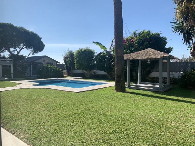 Villa – Chalet en venta en Cabopino – R3534355