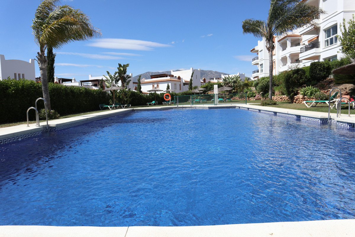 SOLE AGENCY   Beautiful 3 bedroom 2 bathroom penthouse for sale right next to the golf course with s,Spain