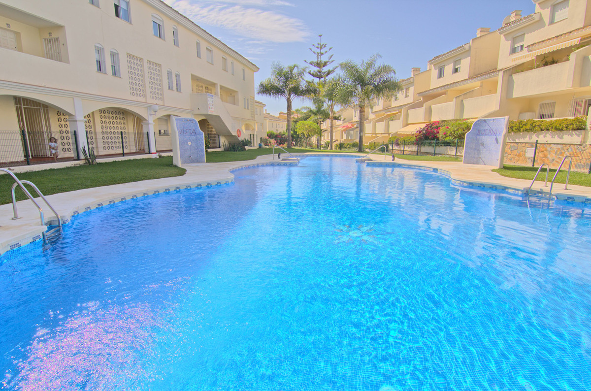 Ground Floor Apartment, Calahonda,  Costa del Sol. 2 Bedrooms, 1 Bathroom, Built 67 m², Terrace 20 m, Spain