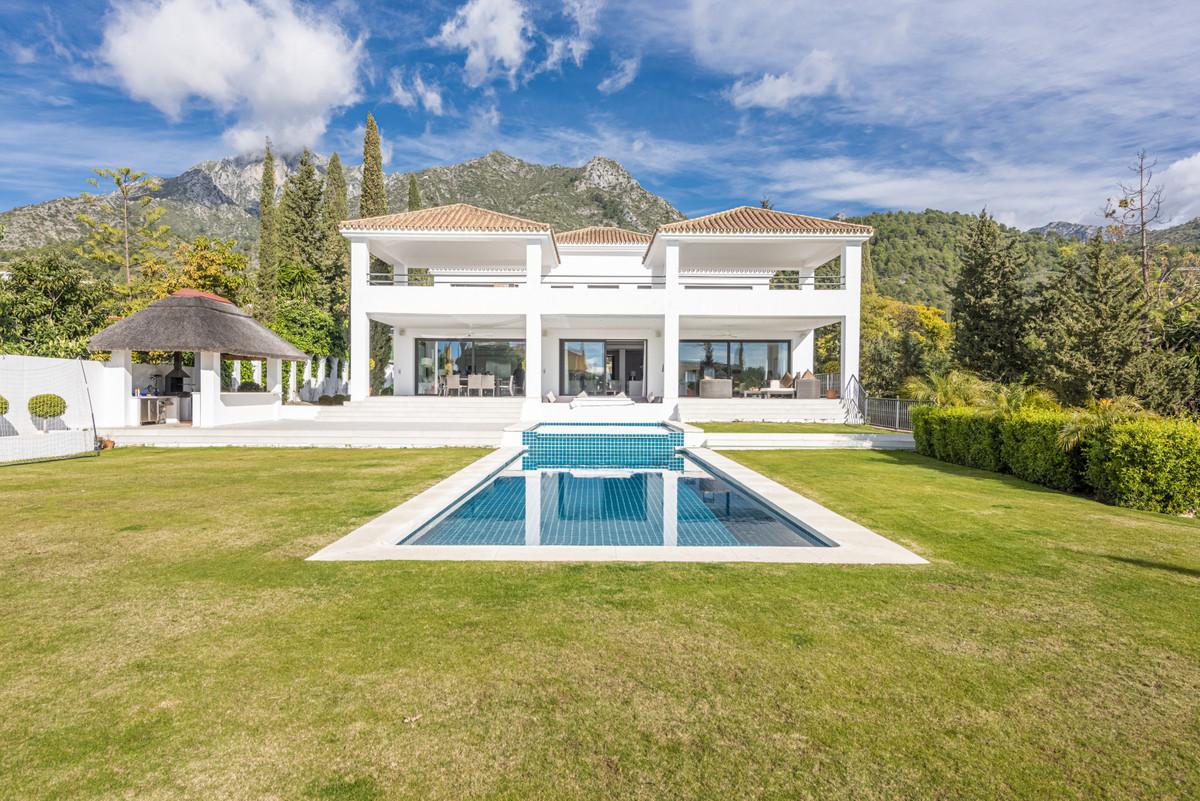 Detached Villa · Sierra Blanca