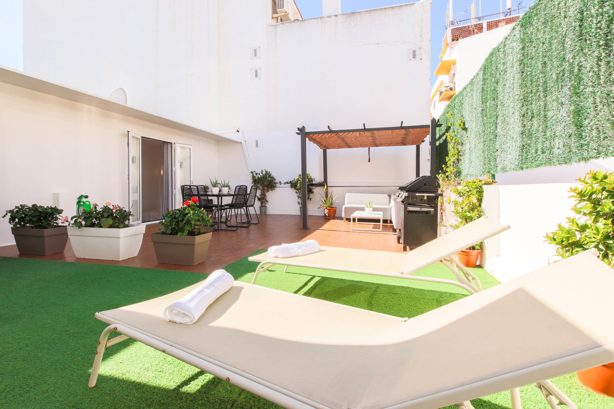 Fully reformed three bedroom city centre duplex penthouse apartment in the heart of San Pedro town c, Spain