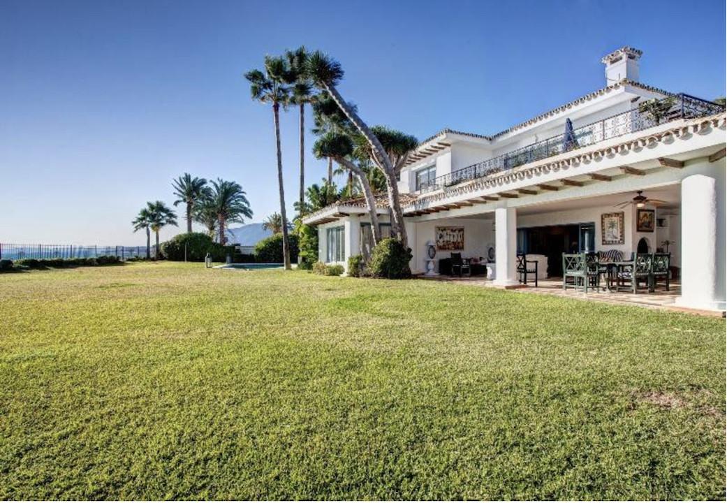 Detached Villa · Guadalmina Baja