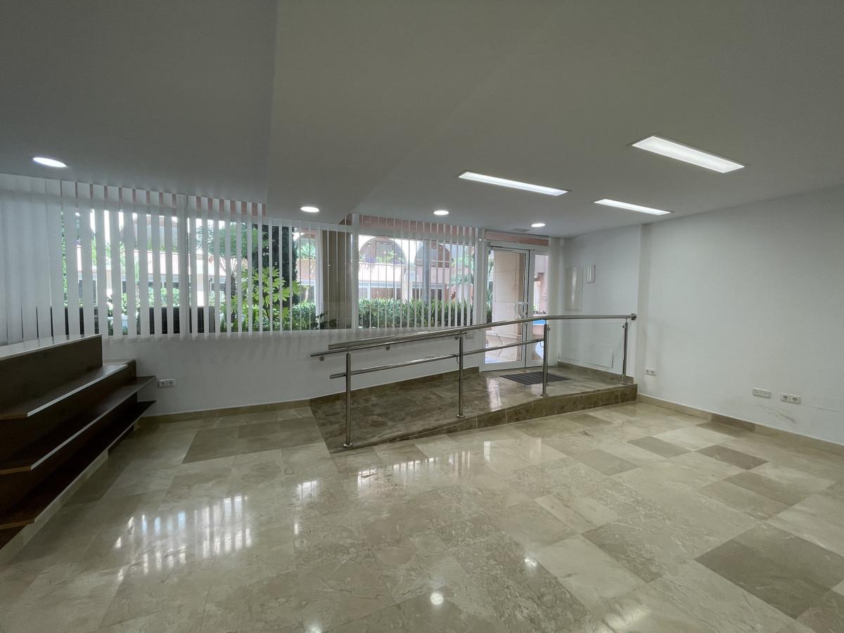 Gewerbeimmobilie - Nueva Andalucía