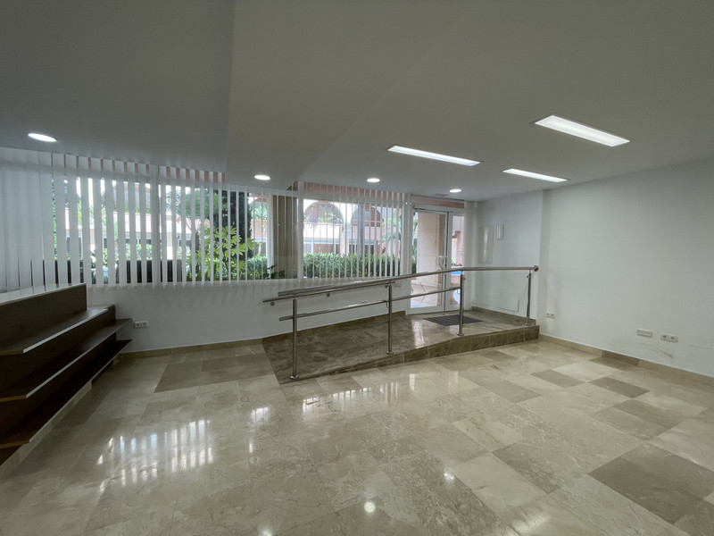 Office in Nueva Andalucía