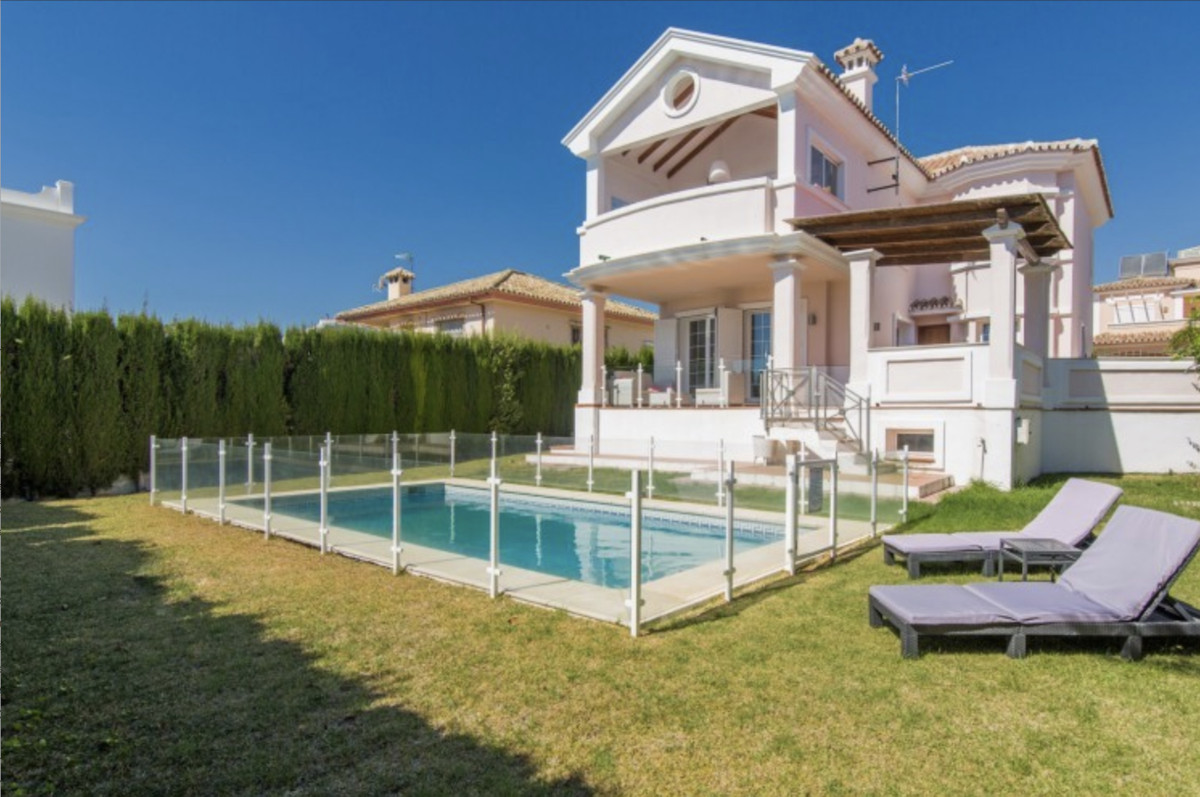 Well maintained, four bedroom, detached house, with private pool, within short walking distance of S, Spain