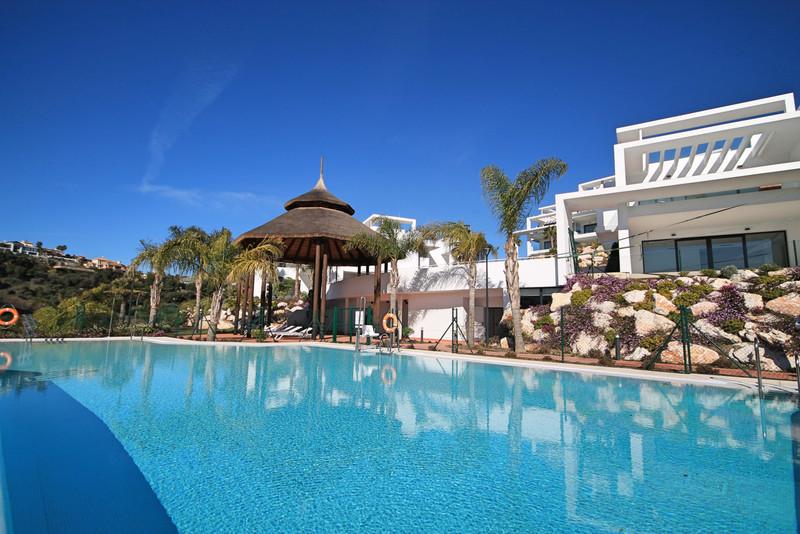 Marbella Banus Ático en venta en Atalaya – R3403015