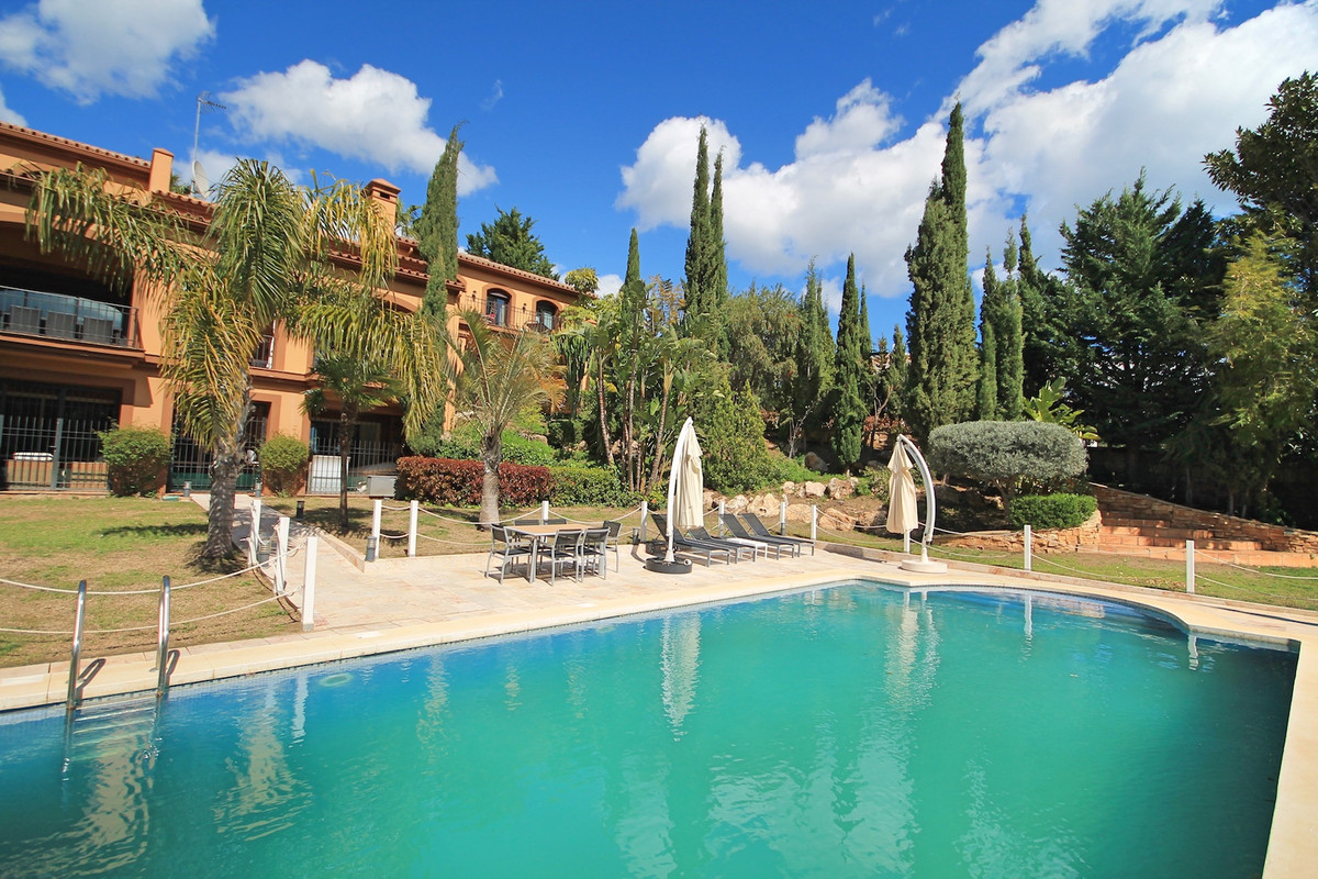 Well presented, hacienda style villa with a large private pool and grounds. as well as spectacular v, Spain