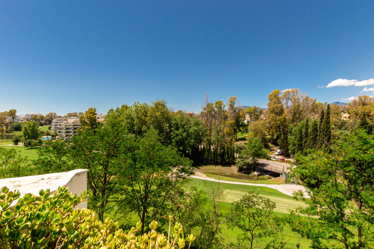 Large, well located, west facing, three bedroom, frontline golf penthouse in Guadalmina Alta, on the,Spain
