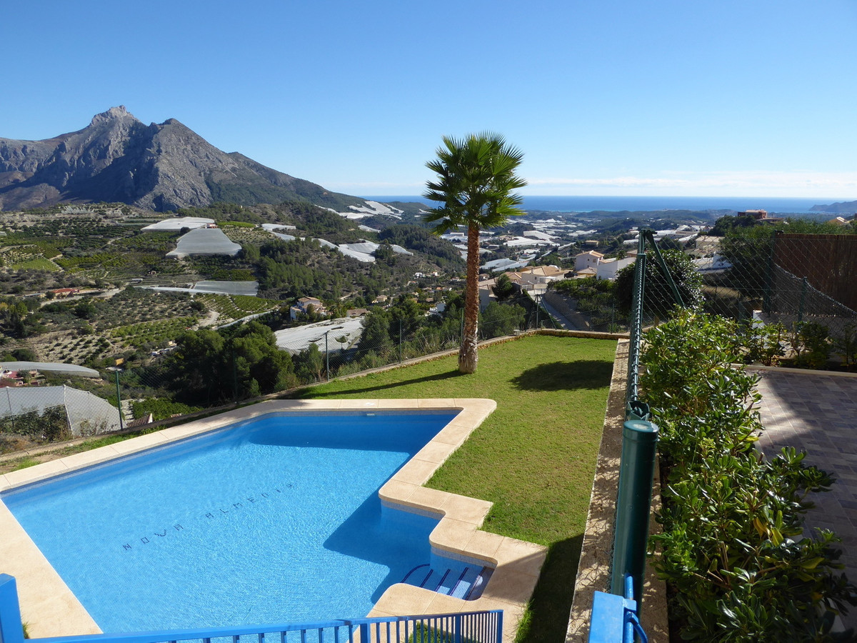 Large Villa with breath taking Sea and Mountain views with fantastic potential. Modern open plan Liv, Spain