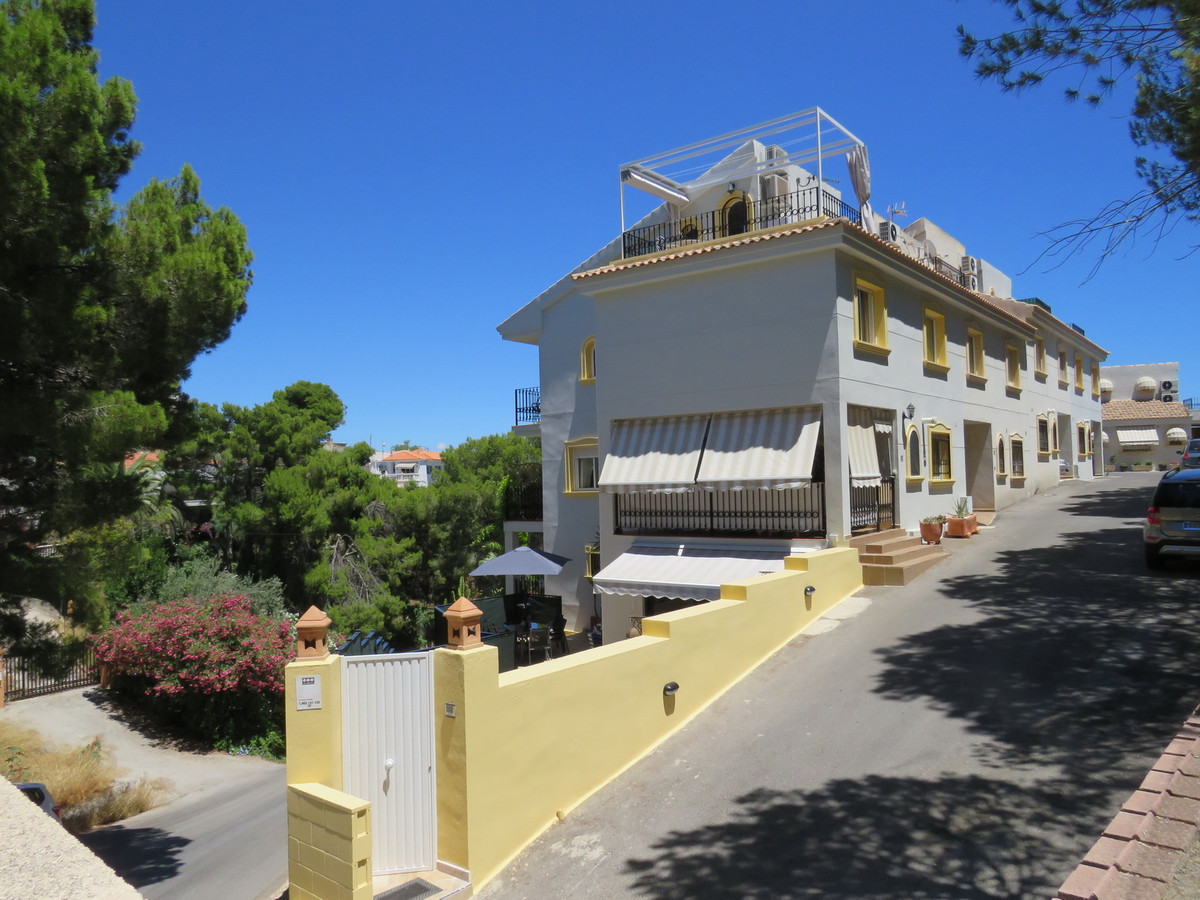 Large 4/5 Bedroom Modern Mews House presented to a very high standard with great views of Puig Campa, Spain